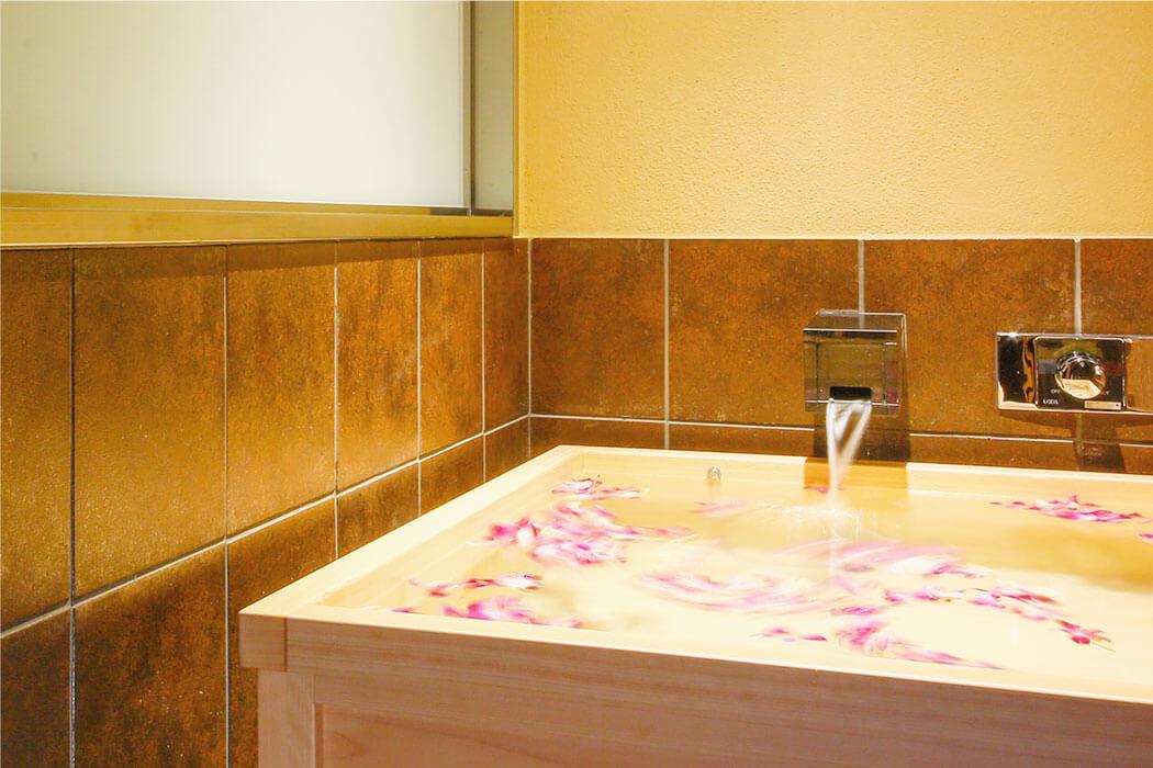 特別フロア璃楽 半露天風呂付き客室